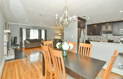 Commack Single Family Home For Sale: 34 Fox Ln