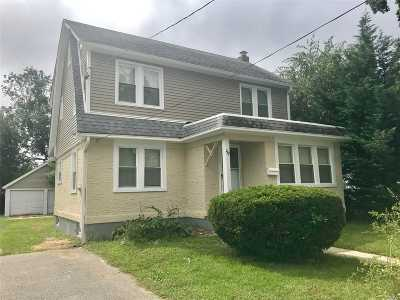Nassau County Single Family Home For Sale: 182 W Graham Ave