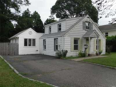 Nassau County Single Family Home For Sale: 2121 Maple St