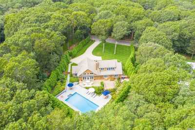 East Hampton Single Family Home For Sale: 16 Surrey Ct