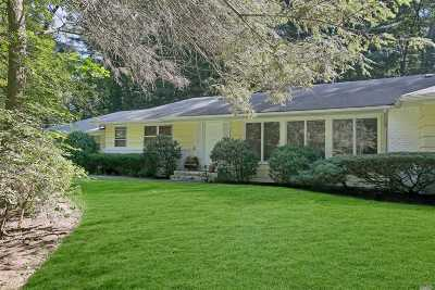 Nassau County Single Family Home For Sale: 6 Great Meadow Rd