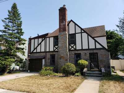 Nassau County Single Family Home For Sale: 670 Joy Blvd