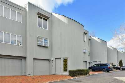 Nassau County Condo/Townhouse For Sale: 16 Sands Ct