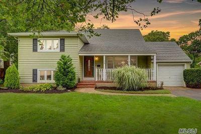 Nassau County Single Family Home For Sale: 31 E Highland St