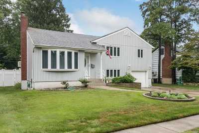 Nassau County Single Family Home For Sale: 170 Tally Ln