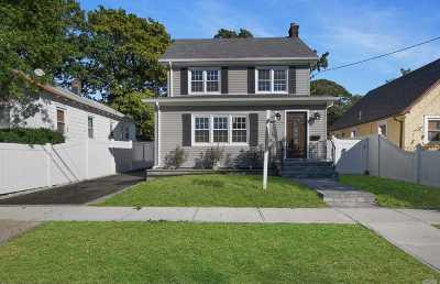 Rockville Centre Single Family Home For Sale: 1365 Langdon Blvd