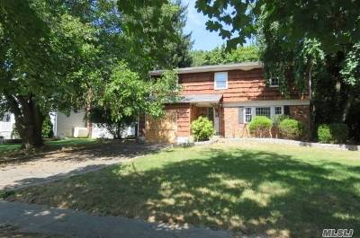 Kings Park Single Family Home For Sale: 67 Rumford Rd