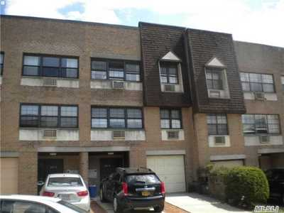 Little Neck Condo/Townhouse For Sale