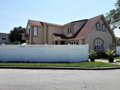 Island Park Single Family Home For Sale: 118 Baker Ct