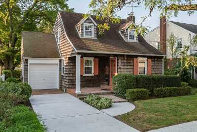 Merrick Single Family Home For Sale: 219 Thelma Ave