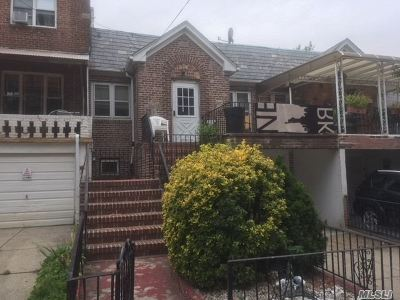 Maspeth Single Family Home For Sale: 52-24 71st St