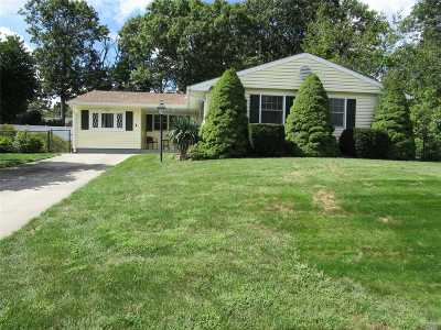 Lake Ronkonkoma Single Family Home For Sale: 4 Valley St