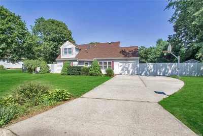 Centereach Single Family Home For Sale: 113 Forest Rd
