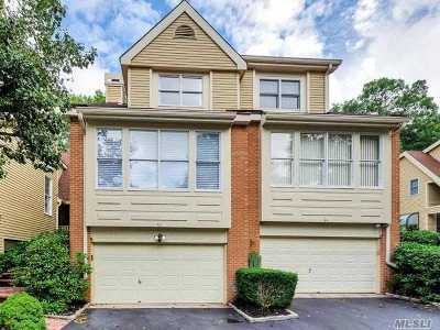 Smithtown Condo/Townhouse For Sale: 43 Willow Ridge Dr