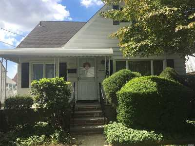 New Hyde Park Single Family Home For Sale: 7 Lincoln Ave