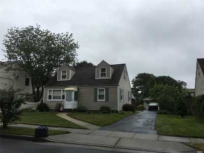 Single Family Home Pending: 119 Oldfield Ave