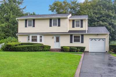 Smithtown Single Family Home For Sale: 9 Barry Ln