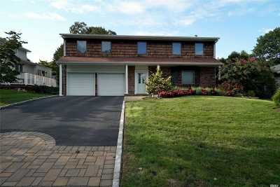 Kings Park Single Family Home For Sale: 31 Knight Ln
