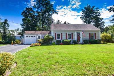 Setauket Single Family Home For Sale: 4 Jeffrey Ln