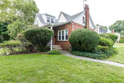 Bellmore Single Family Home For Sale: 2764 Natta Blvd