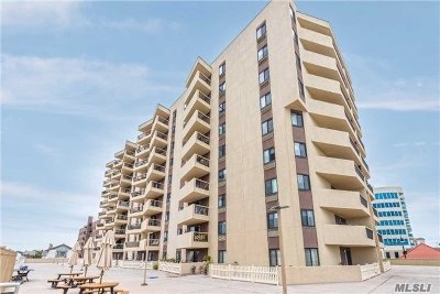 Long Beach NY Co-op For Sale: $455,000