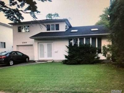Bellmore Single Family Home For Sale: 2569 Ocean Ave