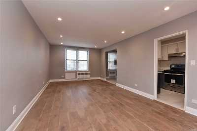 Flushing Condo/Townhouse For Sale: 152-72 Melbourne Ave #2