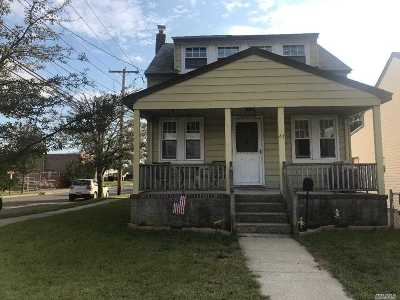 Single Family Home For Sale: 61 Williamson St