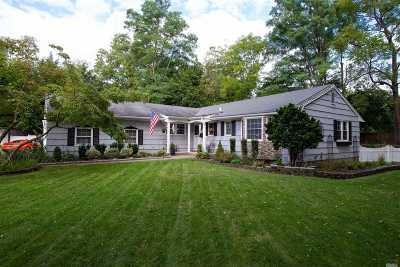 Port Jefferson Single Family Home For Sale: 104 Foxdale Ln