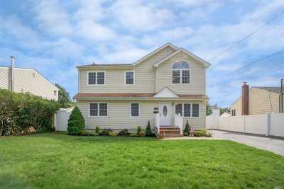 W. Babylon Single Family Home For Sale: 1313 Herzel Blvd