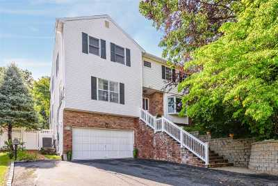 Oyster Bay Single Family Home For Sale: 47 Capitol Heights Rd