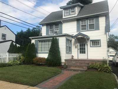 Hempstead Single Family Home For Sale: 106 Lafayette Ave