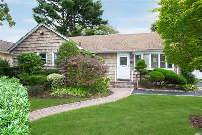 Nassau County Single Family Home For Sale: 713 Durham Rd