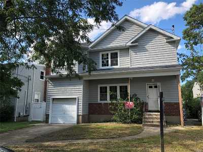 Merrick Single Family Home For Sale: 1765 Carroll Ave