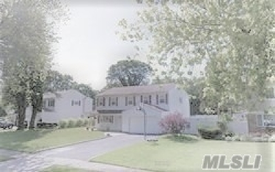 Nesconset Single Family Home For Sale: 18 Tall Pines Ln