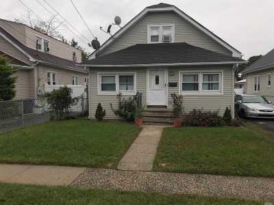 Rockville Centre Single Family Home For Sale: 1288 Langdon Blvd