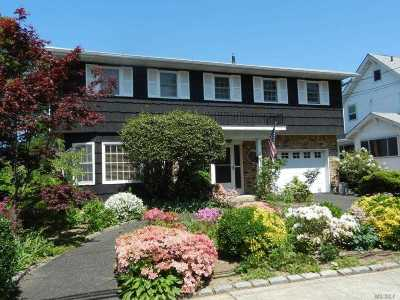 Valley Stream Single Family Home For Sale: 37 Miriam St