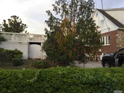 Massapequa Single Family Home For Sale: 95 Alhambra Rd