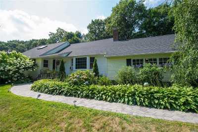 Huntington Single Family Home For Sale: 172 Flower Hill Rd
