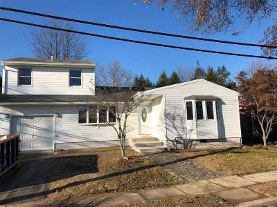 Commack Single Family Home For Sale: 25 Calvert Ave