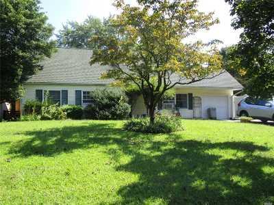 Medford Single Family Home For Sale: 3 Torrey Pine Ln
