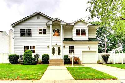 East Meadow Single Family Home For Sale: 1762 Esposito Ct