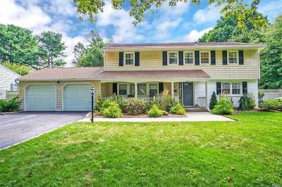 Huntington Single Family Home For Sale: 9 Old Hickory Lane