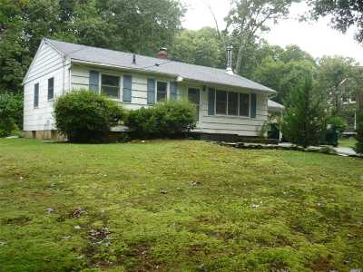Smithtown Single Family Home For Sale: 636 Meadow Rd