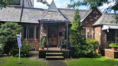 Ozone Park Single Family Home For Sale: 133-18 86th St