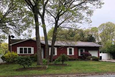 Selden Single Family Home For Sale: 630 Hawkins Rd