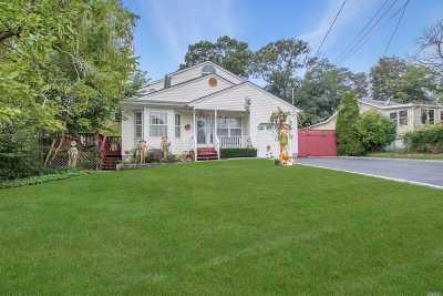 Farmingville Single Family Home For Sale: 22 Columbus Ave