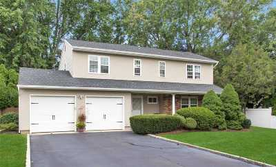 Smithtown Single Family Home For Sale: 37 Sandy Hollow Dr