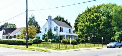Hempstead Single Family Home For Sale: 756 Front St