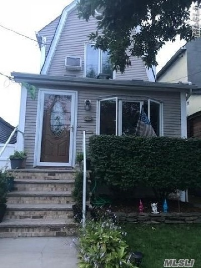 Ozone Park Single Family Home For Sale: 137-04 Whitelaw St